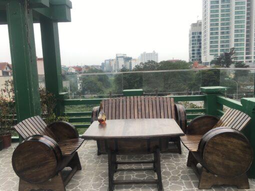 bàn ghế thùng rượu gỗ